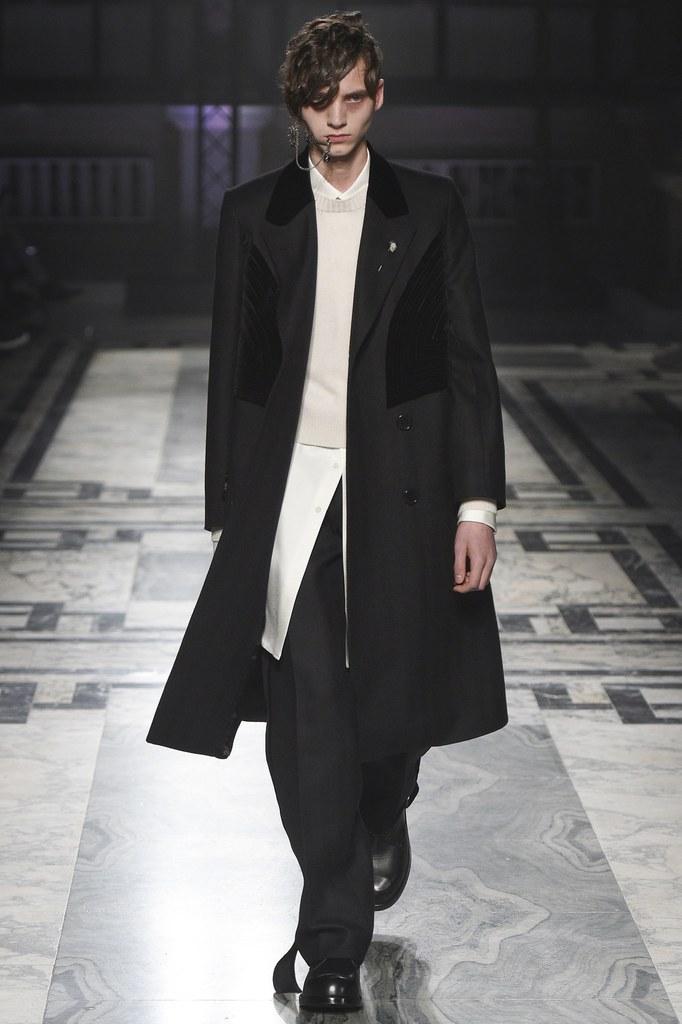 AlexanderMcQueen-fall-2016-menswear-slashitmag-3