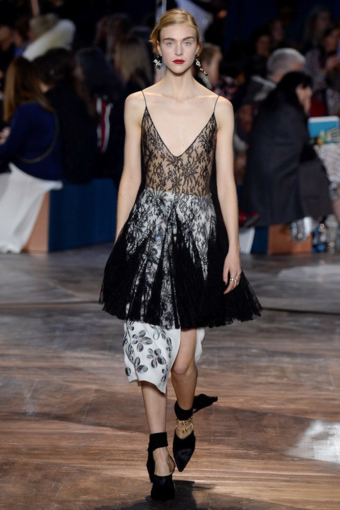 Christian-Dior-spring-2016-Couture-pfw-24