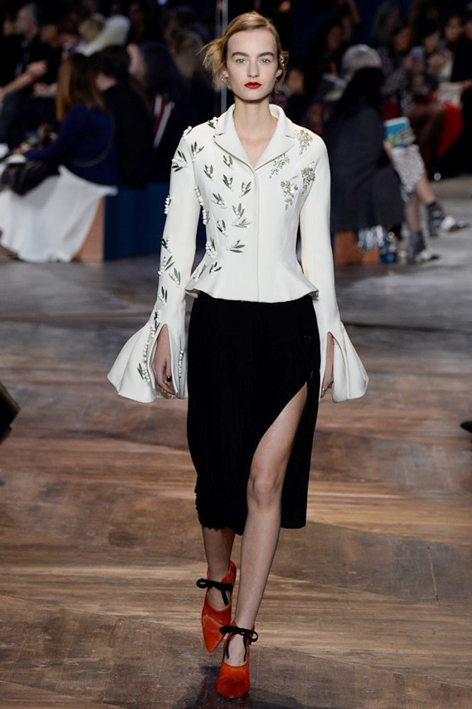 Christian-Dior-spring-2016-Couture-pfw-35