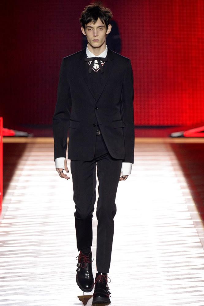 Dior-Homme-fall-2016-menswear-pfw-1