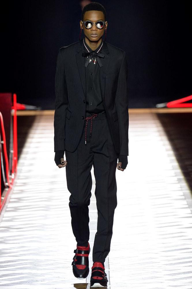 Dior-Homme-fall-2016-menswear-pfw-2