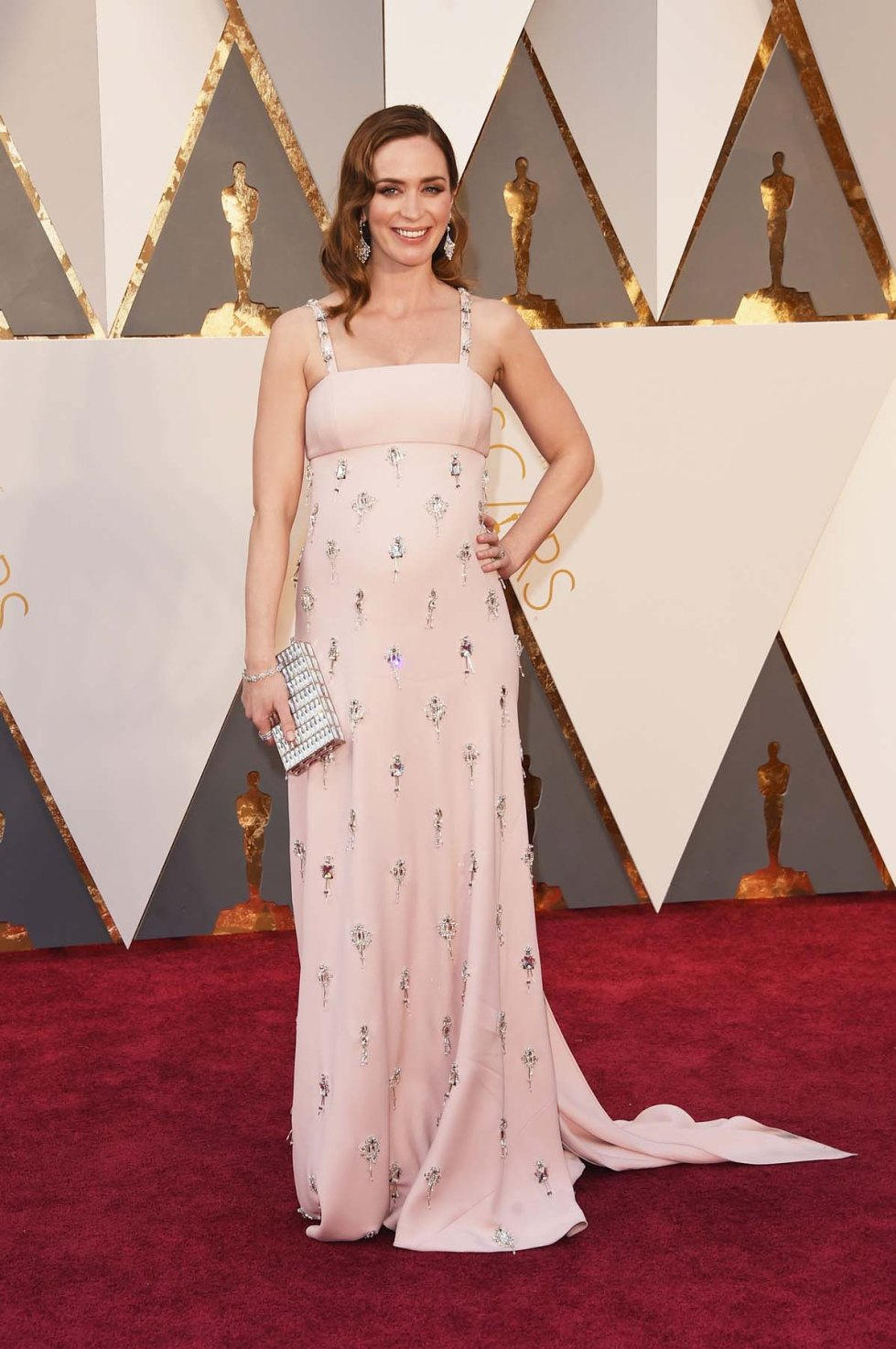 Oscars-2016-red-carpet-emily-blunt