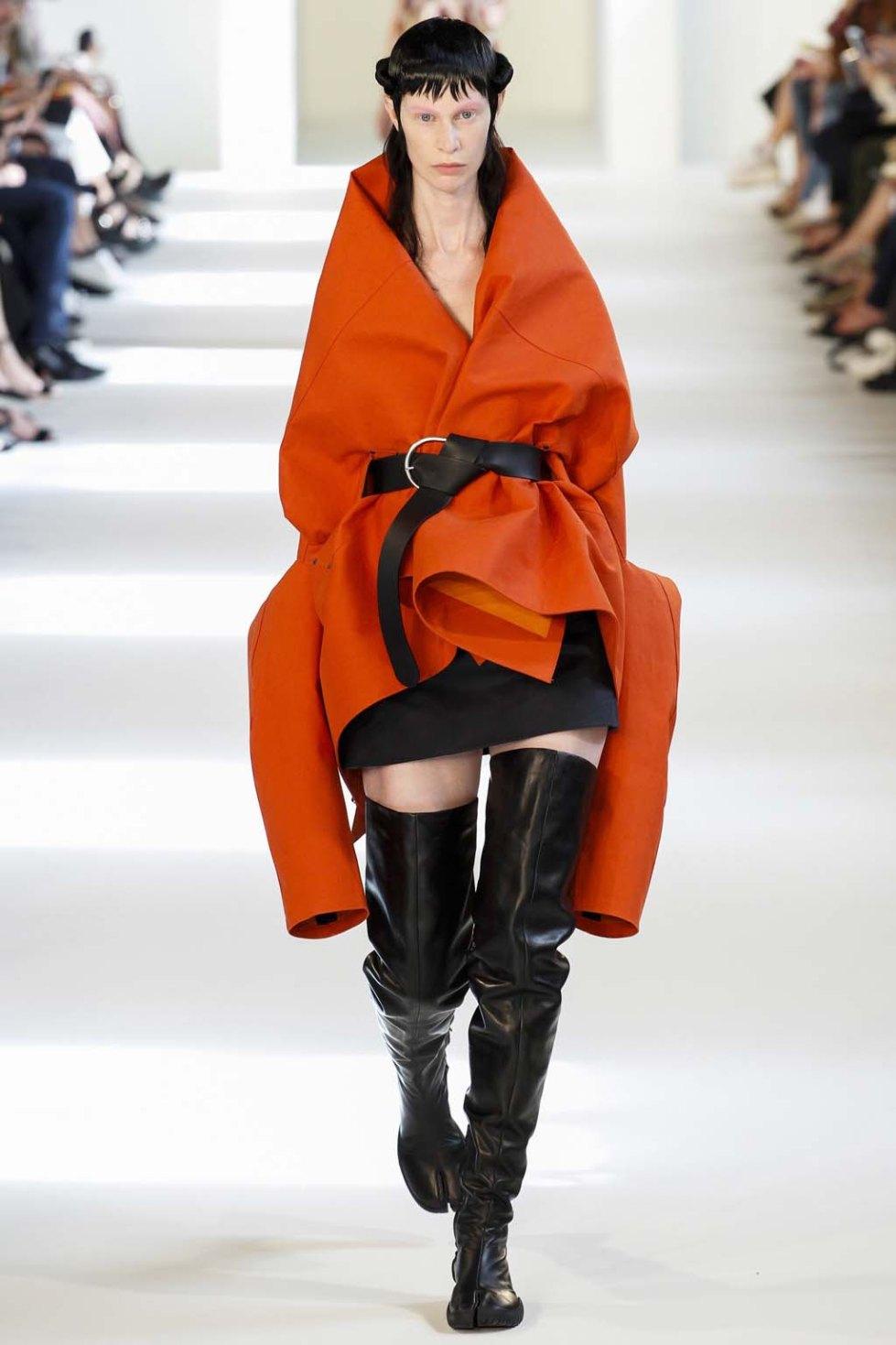 Maison-Margiela-fall-2016-couture-pfw-1