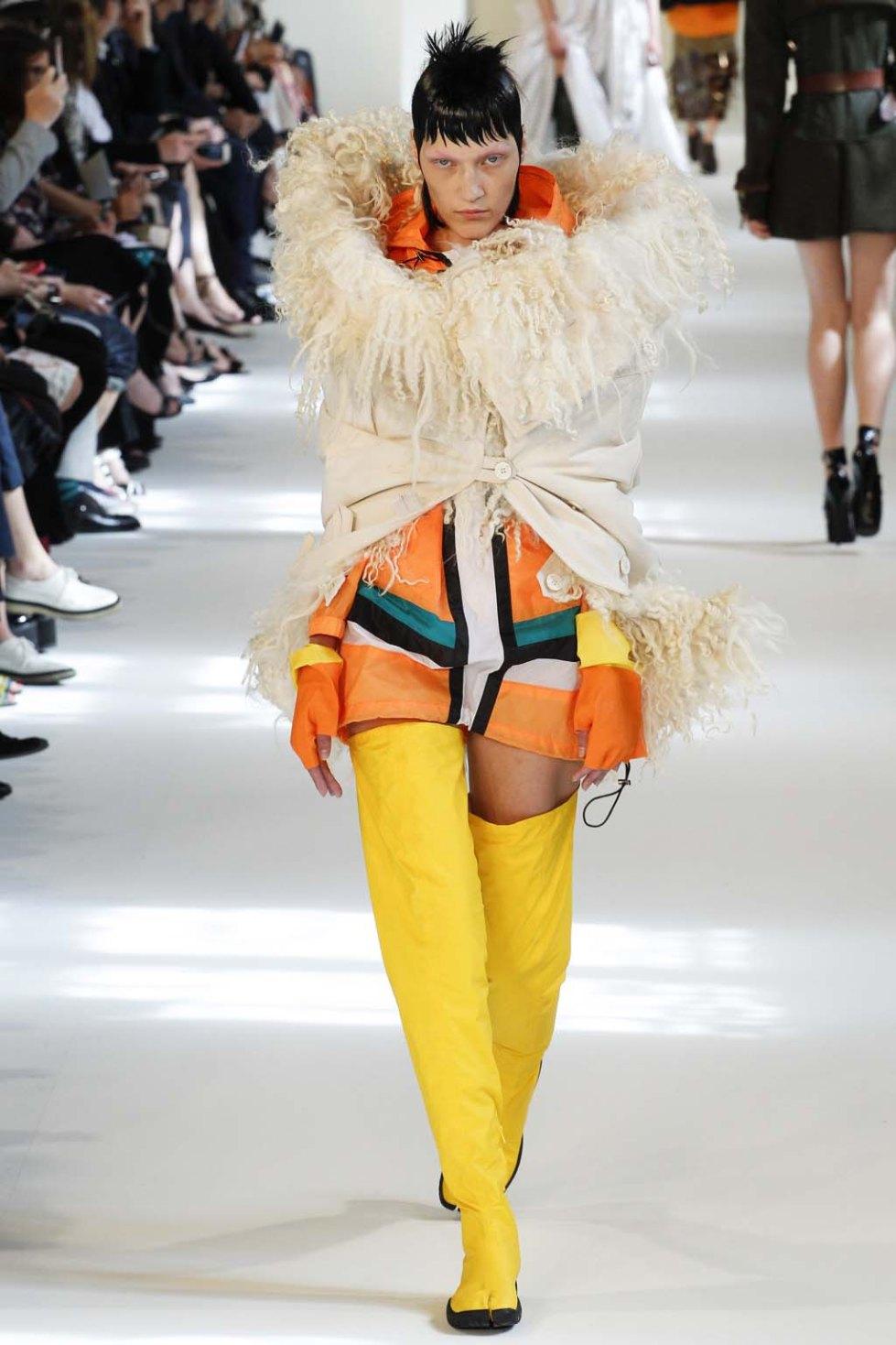 Maison-Margiela-fall-2016-couture-pfw-15
